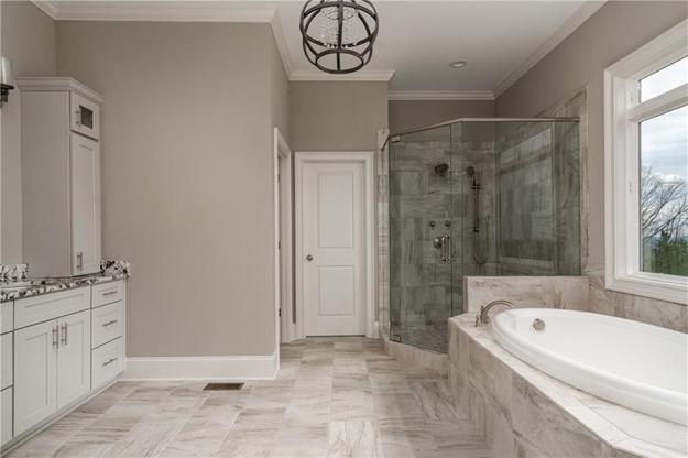 5085 Pindos Trail bathroom